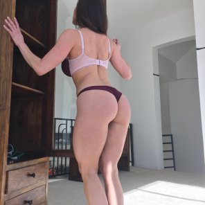 amateur photo Walking around the house and showing off her ass
