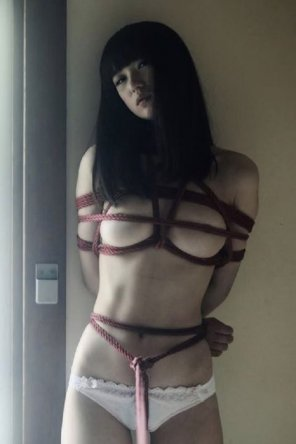 amateur photo Red rope