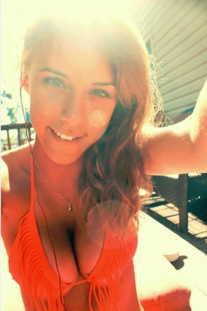 amateur photo Busty Bikini Selfie