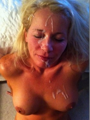 amateur photo Cum-Hungry Wife