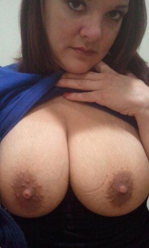 amateur photo Dark nipples