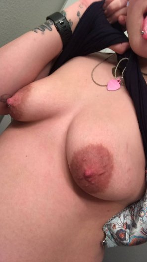 amateur photo Cum play with my tits [19 F]