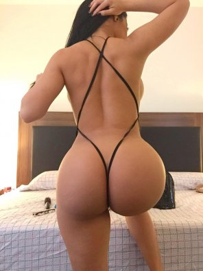 amateur photo Very Thin clothing