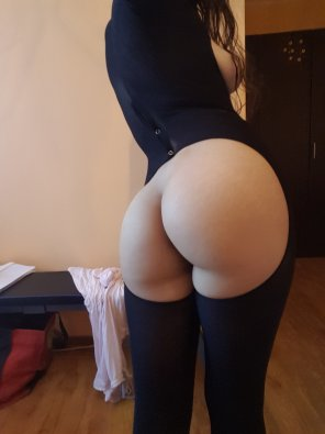 amateur photo Bizarre suit gives you naked ass