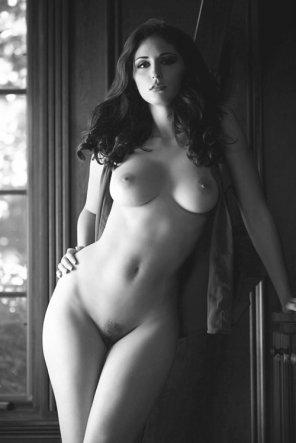 amateur photo Classy curves