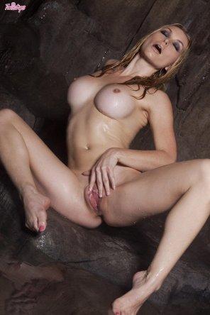 amateur photo Recommendation: Heather Vandeven. Very sexy.