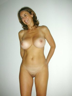 amateur photo Nice body on this milf