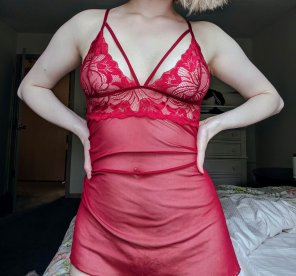 amateur photo i've been told i look good in red [f]