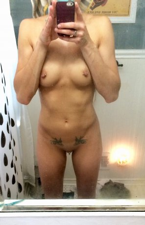amateur photo My body is hard, but my pussy is soft