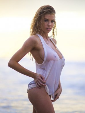 amateur photo Charlotte McKinney See-Through