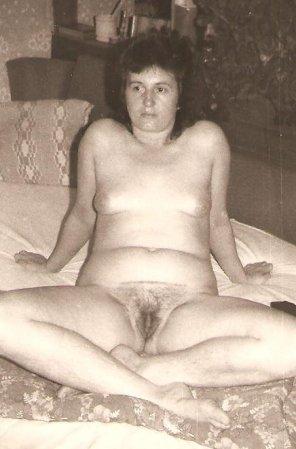 amateur photo Martina macht die Beine breit