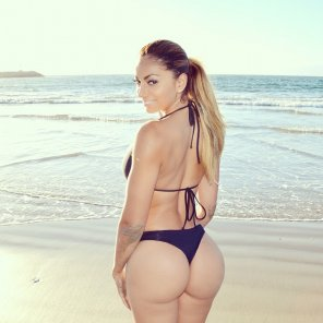 amateur photo Labella Reina at the beach