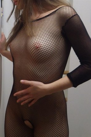 amateur photo Cutey in fishnets