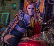 amateur photo Bella Thorne in lingerie
