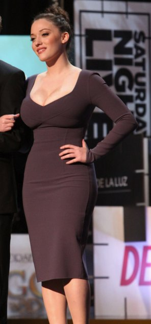 amateur photo The curves on Kat Dennings