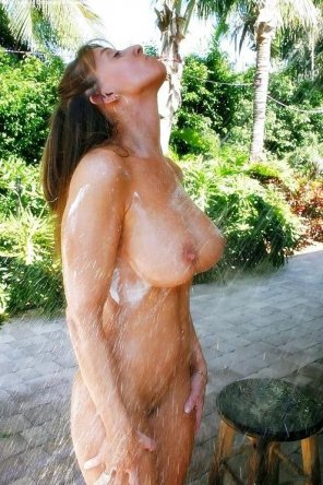 amateur photo Outdoor shower body