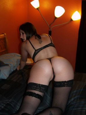 amateur photo her panties cant handle that