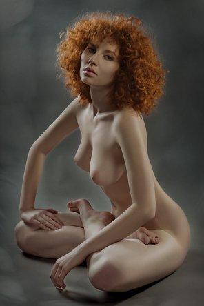 amateur photo Yana Red