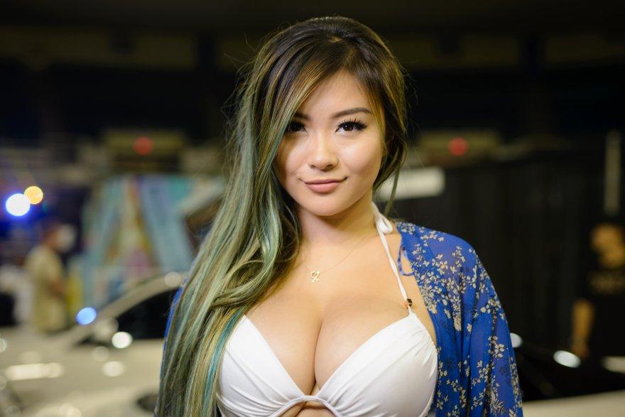 Vicki Li Porn Photo