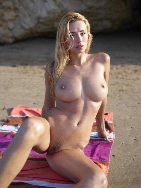 Beach towel Porn Photo