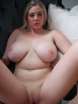 amateur photo soft and curvy