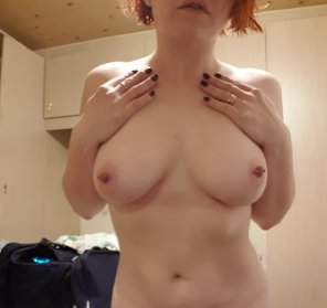 amateur photo Who wants to see lower? ;)