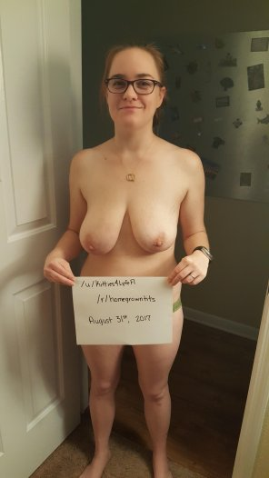 amateur photo IMAGE[Image] [Verification] [F] New to this subreddit. Hope everyone enjoys!