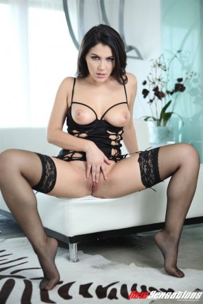 amateur photo Valentina Nappi in black