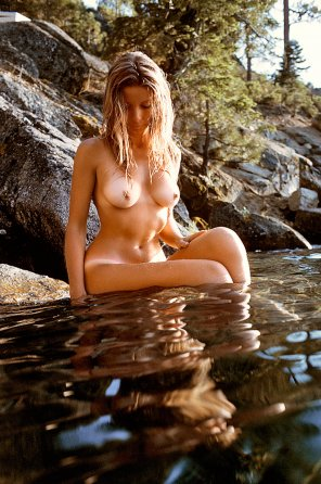 amateur photo Outdoorsy girl