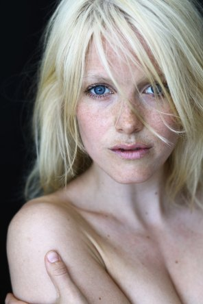 amateur photo Actress: Laura Birn