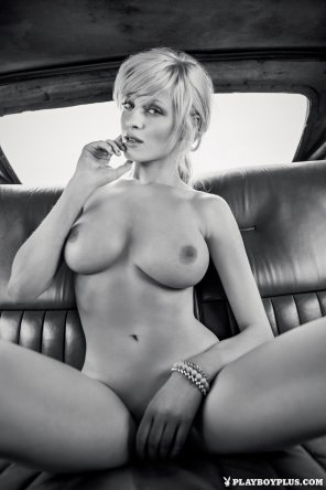 amateur photo Spacious backseat