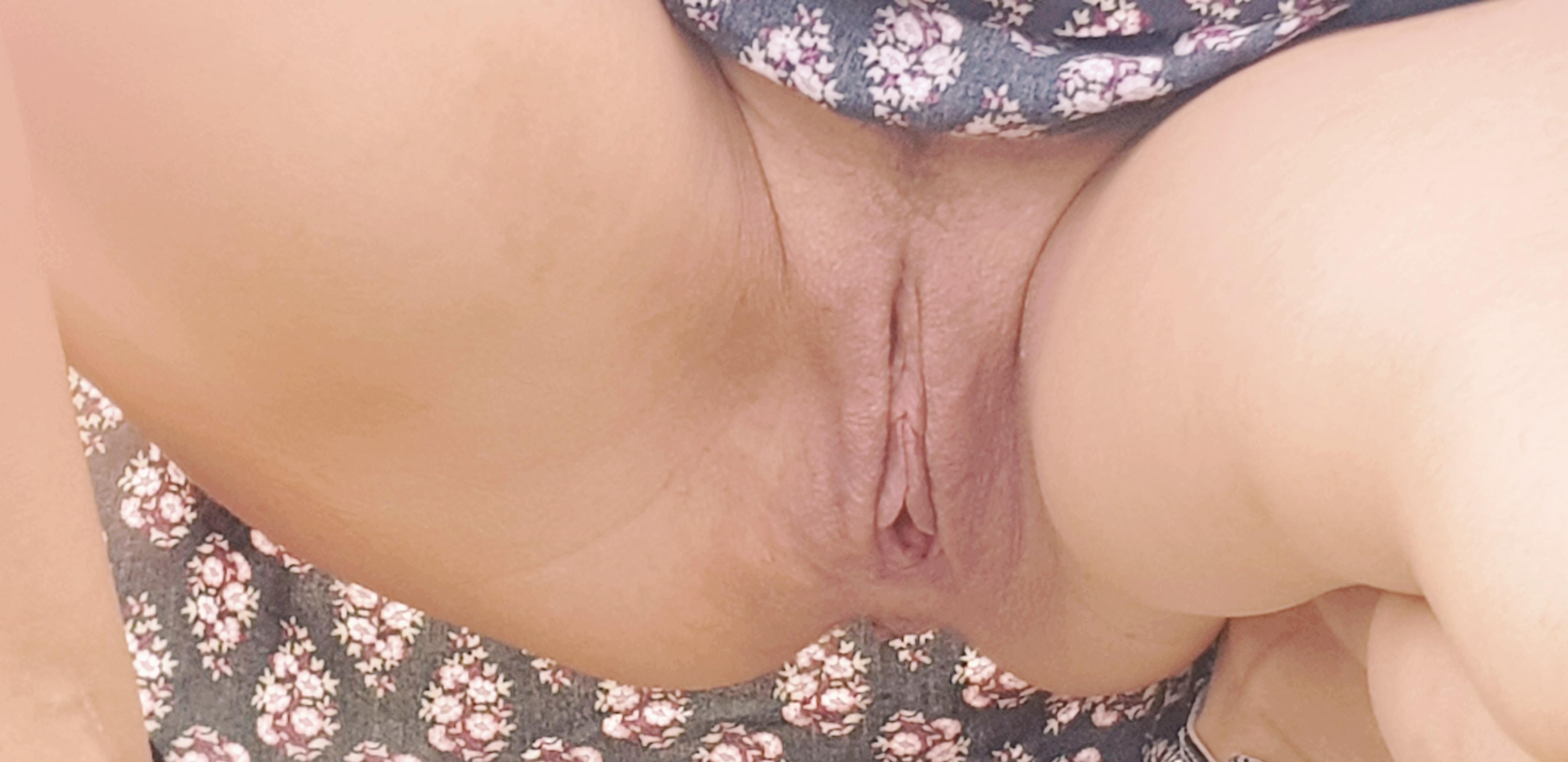Upskirt pics pussy Voyeur Pussy