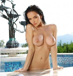amateur photo wet and hot big tits!!!