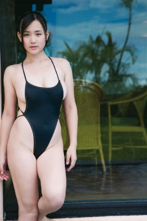 amateur photo Black one-piece