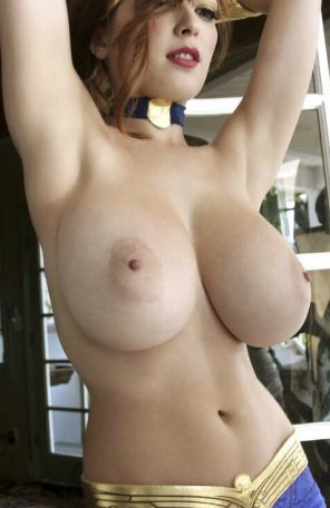 amateur photo Tessa Fowler huge tits