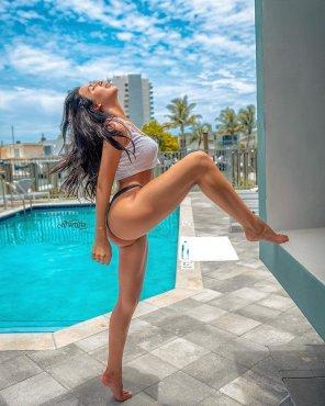 amateur photo Lifting a leg