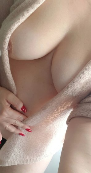 amateur photo Gauzy Sweater