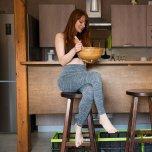 amateur photo Yoga pants and a wooden bowl