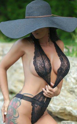 amateur photo Nice hat