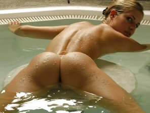 amateur photo Spread and wet!
