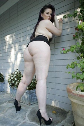 amateur photo Pawg Outdoors