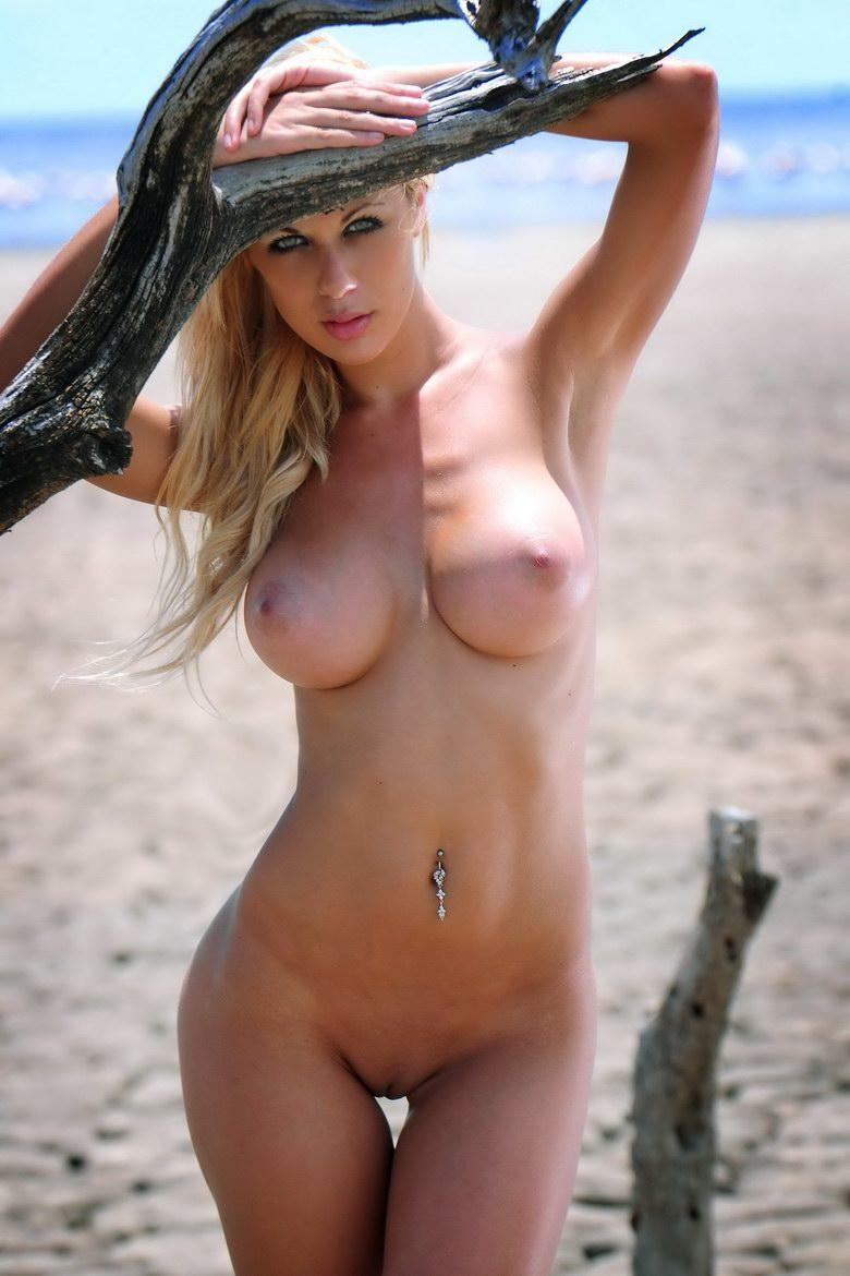 Authoritative Beautiful shaved pussy beach opinion obvious