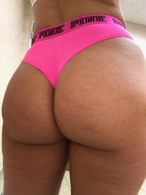 amateur photo [F] Thong of the day!!! Definitely poppin today!!!😍 Have a great day!!!