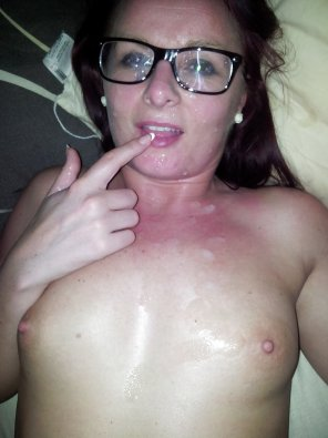 amateur photo Glasses Make Cumsluts Cuter