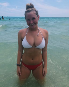 amateur photo 18 with perfect massive tits