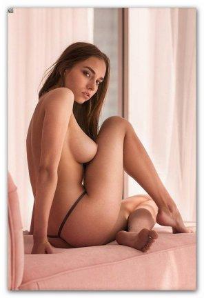 amateur photo Titty