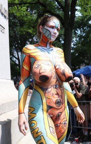 amateur photo Big breasted beauty nude in public at bodypainting day