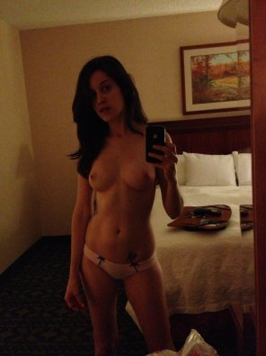 amateur photo Topless mirror shot