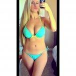 amateur photo hot blonde