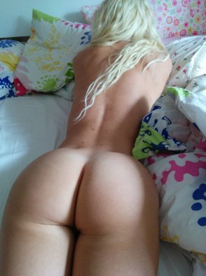amateur photo blonde ass